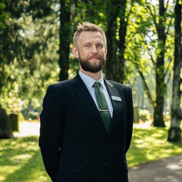 Gravferdskonsulent Begravelsesbyra Thomas